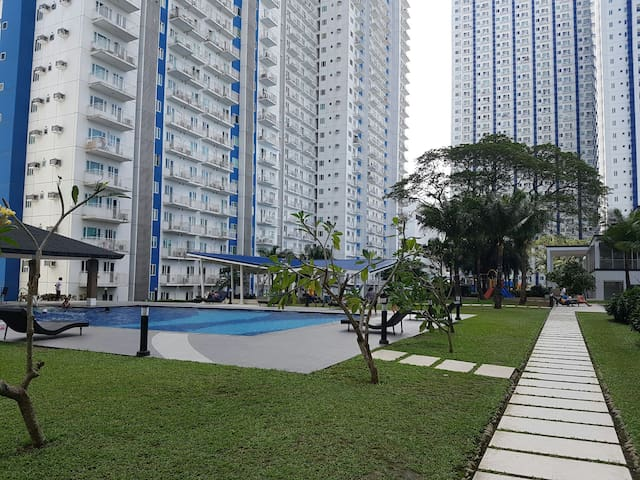 1 BR Grass Residences SM North EDSA