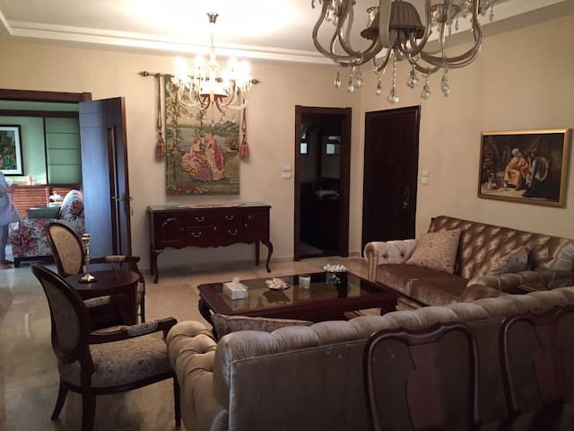 Spacious and Luxurious Three Bed Apt With Terrace