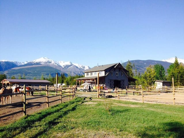 Willow Ranch Cabin 2