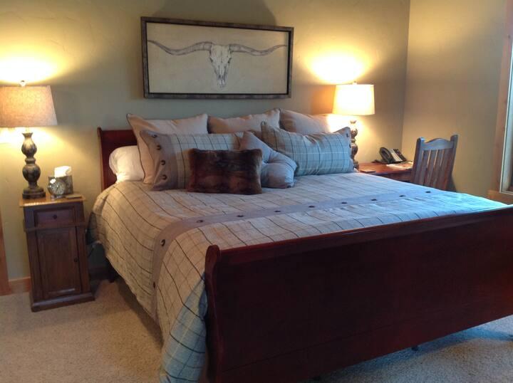 Private King Suite Shorthorn Brasada Ranch Resort