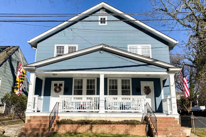 Newly-Listed! Maryland-themed 3 Bedroom off West Street in Downtown Annapolis with Parking