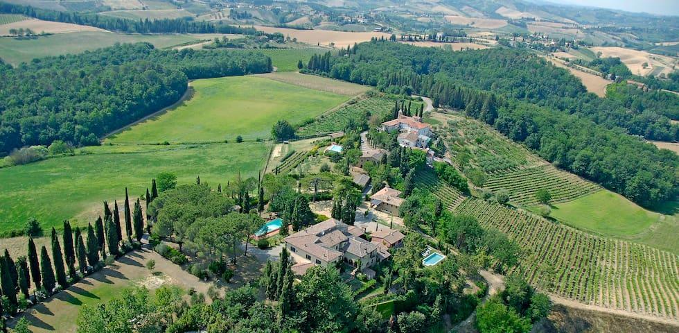 Totally Tuscany Villas- 5-star - Sciano - Villa