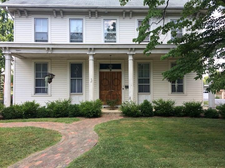 Magnolia's on Main ~ Lancaster, PA