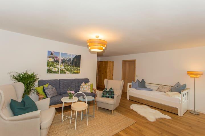 Wohnzimmer mit extra Ausziehbett