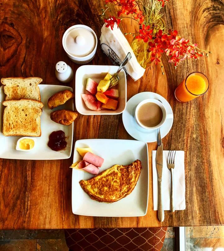Habitación privada en casa familiar con desayuno.
