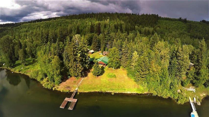 NEW Diamond McLelland historic waterfront retreat
