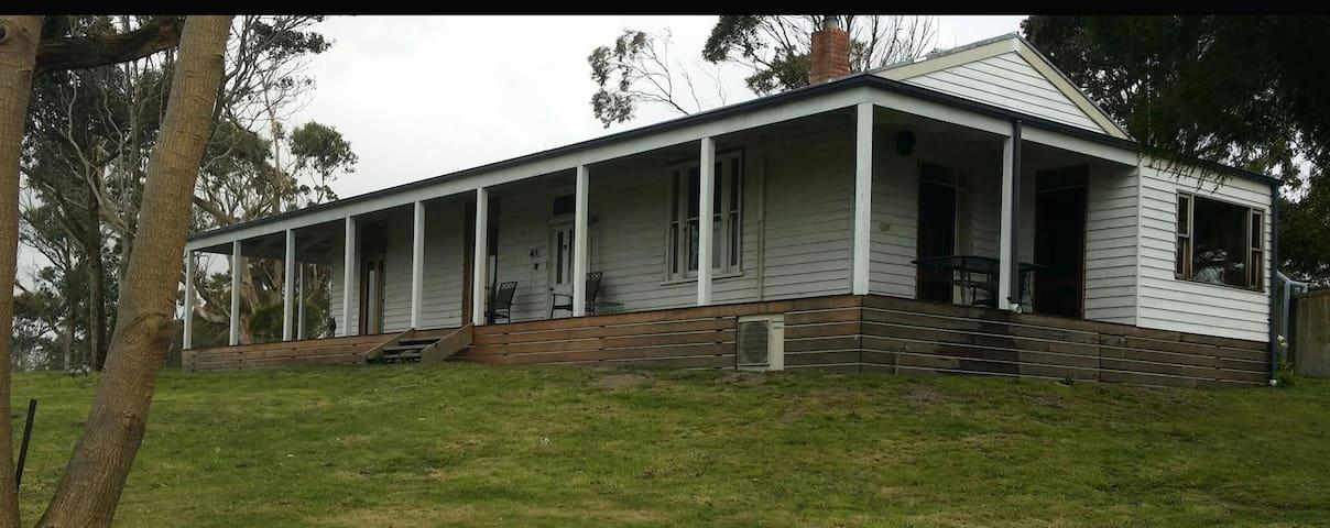 Winchester's Bluff Homestead