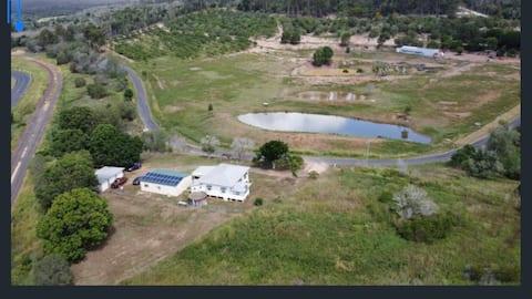 Pet Friendly Accommodation 25 mins to Bundaberg