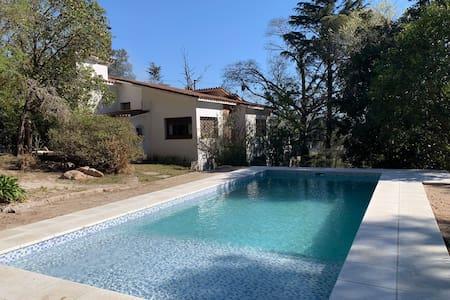 Hermosa propiedad en Río Ceballos, Cordoba