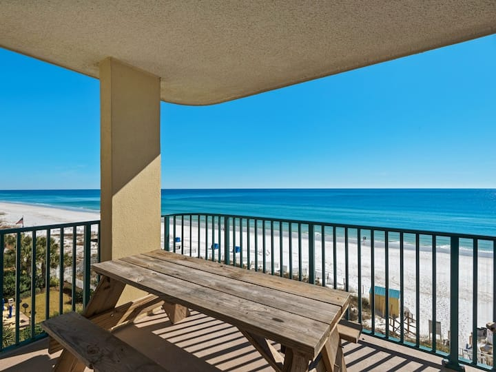 Bright, spacious condo, Gulf front views, close to shopping & dining