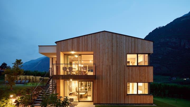 Loft Lodge Garden - Cirna Gentle Luxury Lodges