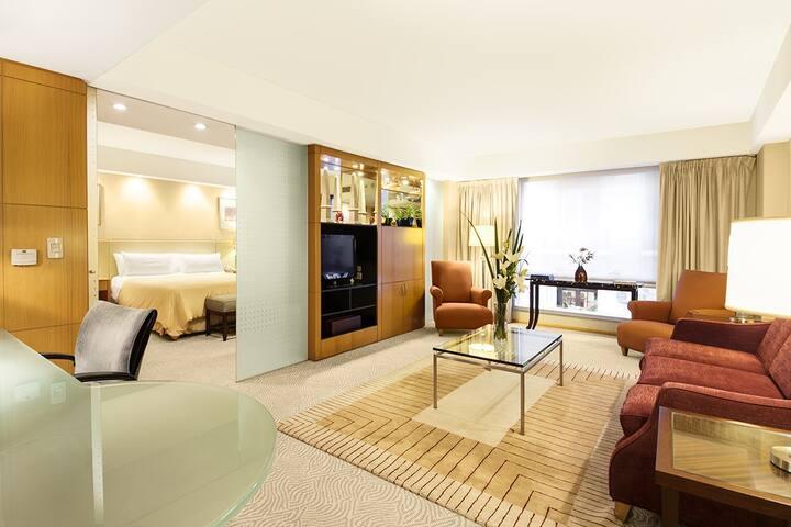 Exclusiva habitación de hotel en el corazón de BA
