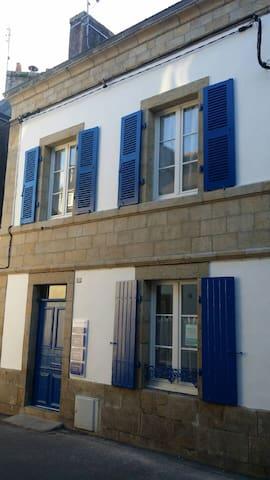 Duplex récemment rénové 2 à 4 pers - Pont-l'Abbé - Apartment