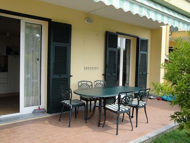 Appartamento in villa bifamigliare - Loano - Apartamento