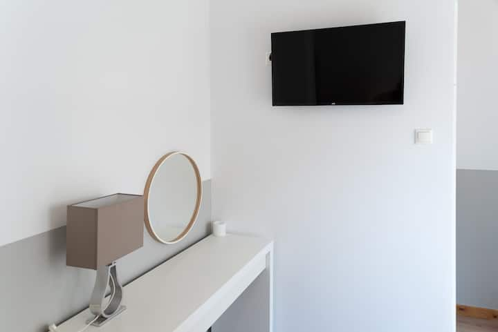 TIER COLLECTION ECONOMY DOUBLE ROOM