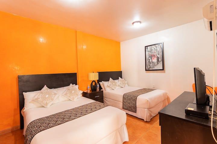 Habitación doble 4 personas. Hotel Doña Juana