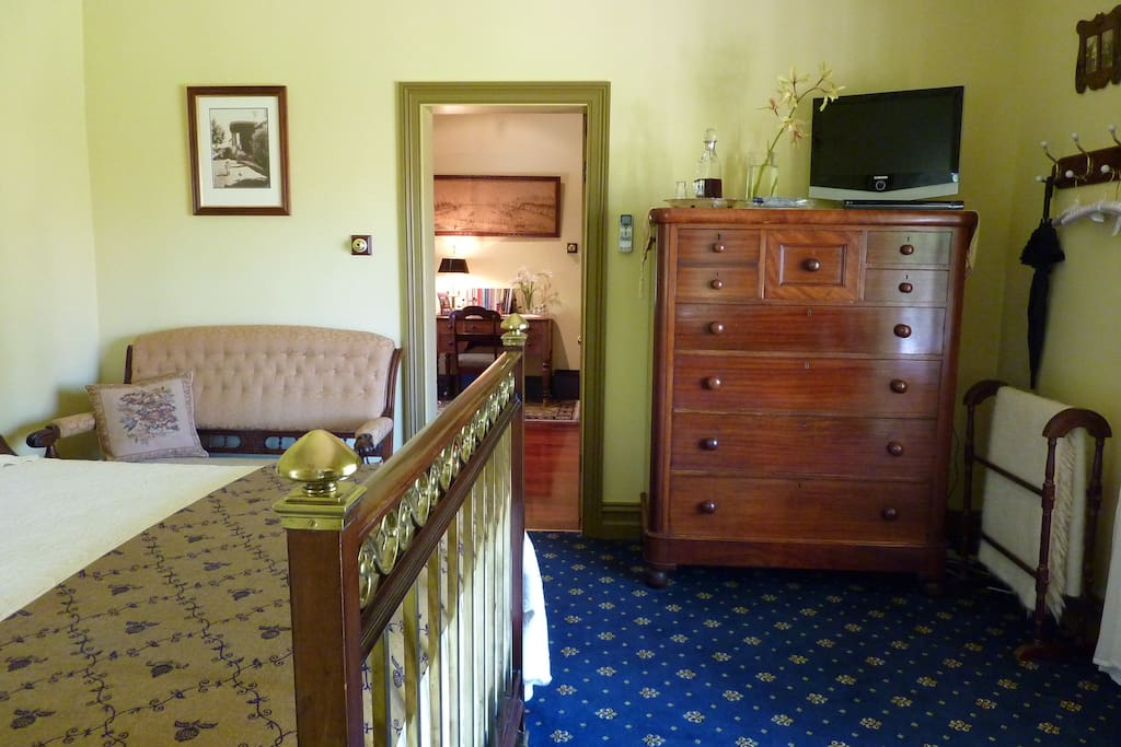 Large guest suite with TV