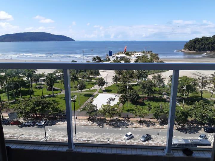 Apartamento Frente Mar com Vista Incrível.