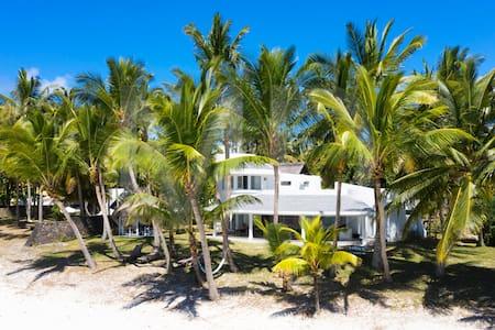 Villa Eva Belle Mare Plage RENOVEE AOUT 19