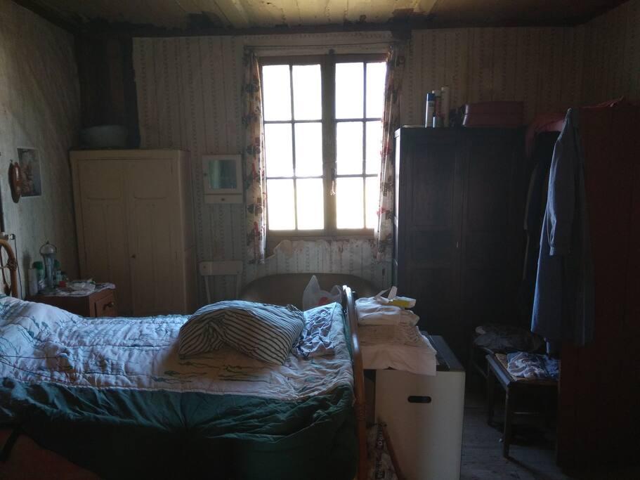 petite cabane au coeur d 39 autreville en picardie maisons louer autreville hauts de france. Black Bedroom Furniture Sets. Home Design Ideas