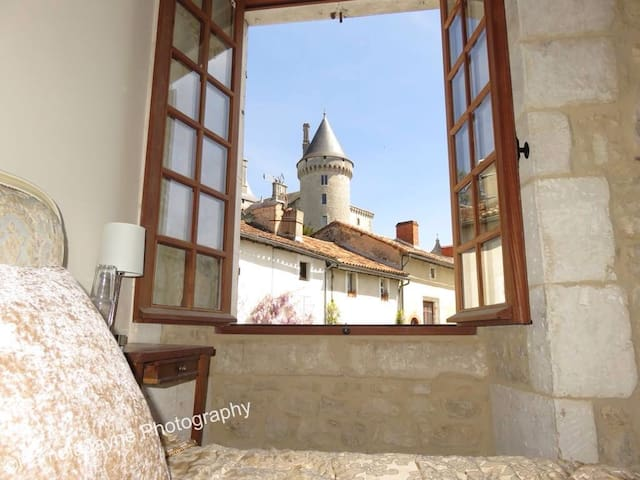 Wake up to 'Château View', 17th century 2bed house