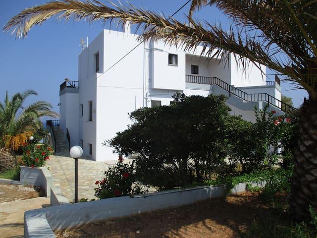 Kosta's House, ground floor apartment, 90 sq m - Stavros - Apartment