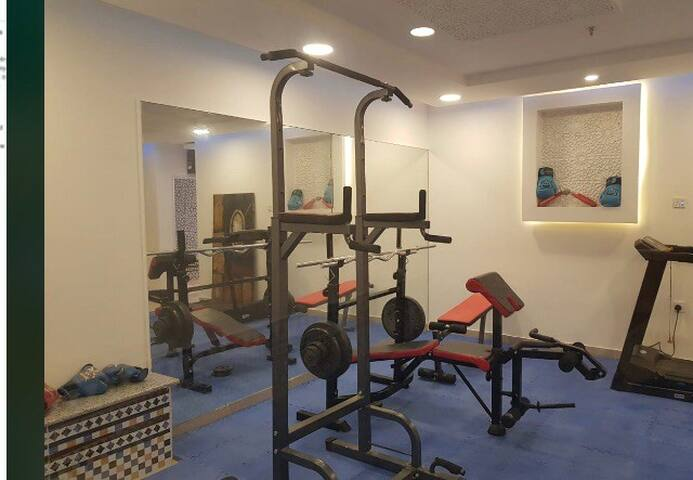 New modern flat, pool, gym, jacuzzi, good location