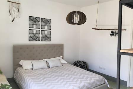 Beautiful room in Aragona