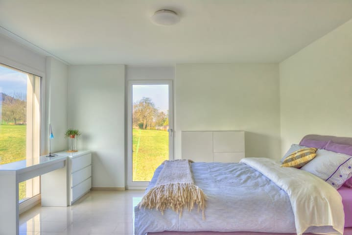 Standard Suite with Mt/ Sunset view - Beinwil am See - Bed & Breakfast