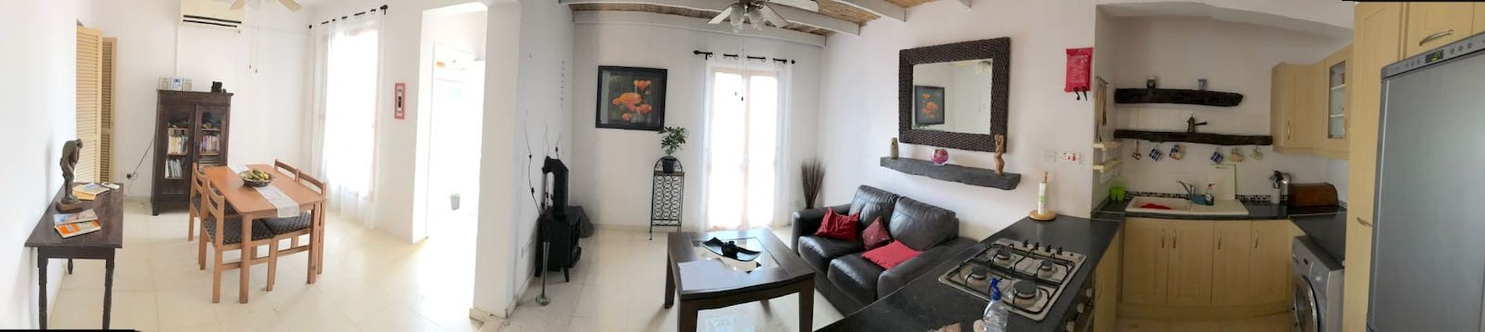 Beautiful 2 bedroomed apartment opposite beach.
