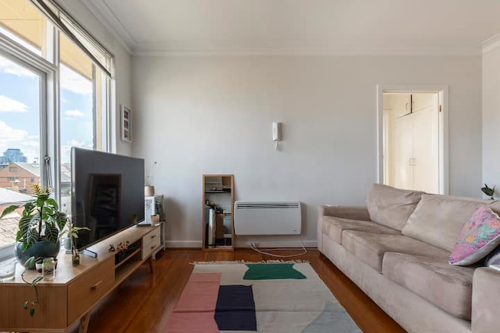 Super cute Windsor apartment, moments to Chapel St