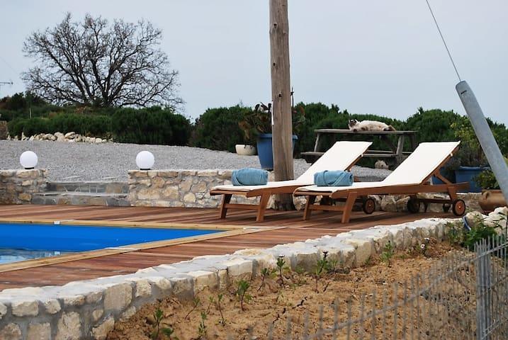 Footscapes of Crete, Studio Selene