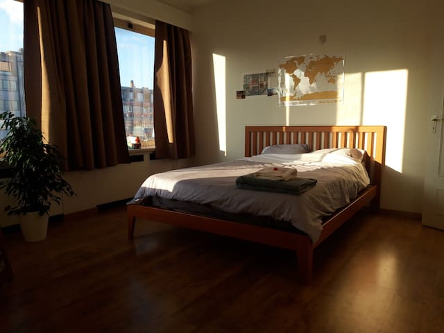 Cozy & quiet room in the center of Liège.
