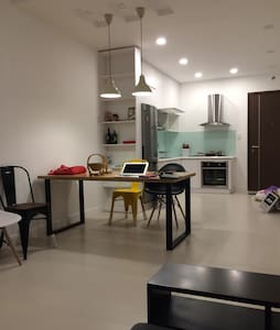Private room in hi-end apartment, district 2 - An Phú