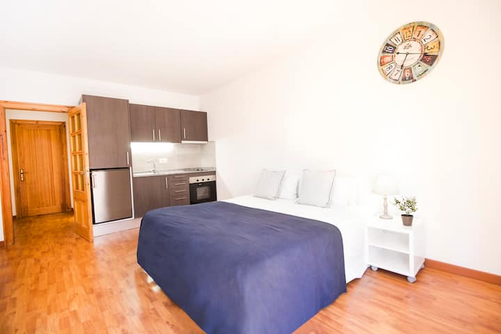 Modern Studio apartment. QUER12