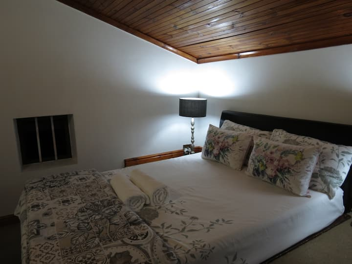 Deluxe Double Bedroom with Bath - Three Spruce