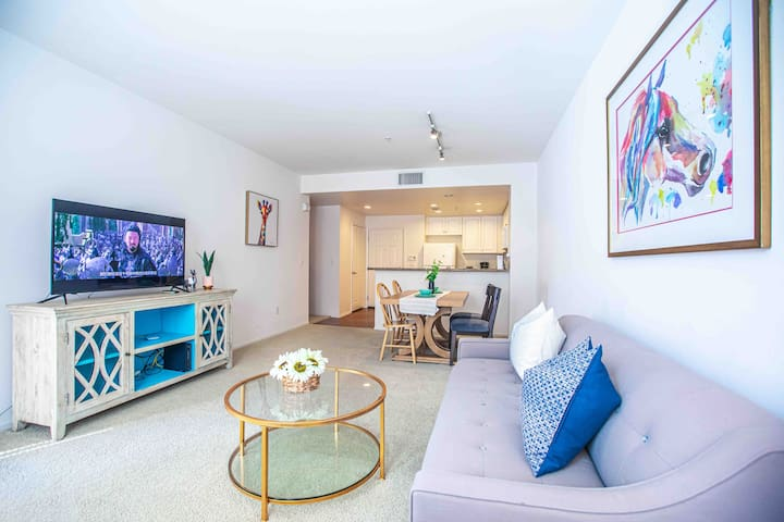 Irvine private two bedrooms/two bathroom apartment