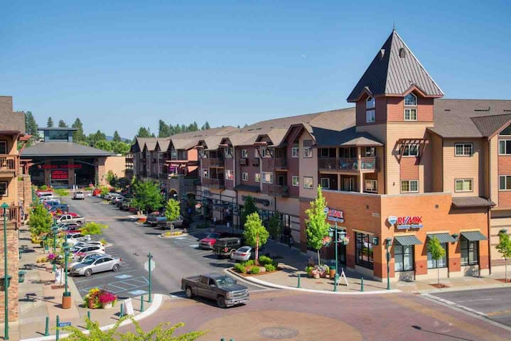 Active Main Street Village with multi-screen Regal Cinema and multiple   shops and restaurants just steps from your door.