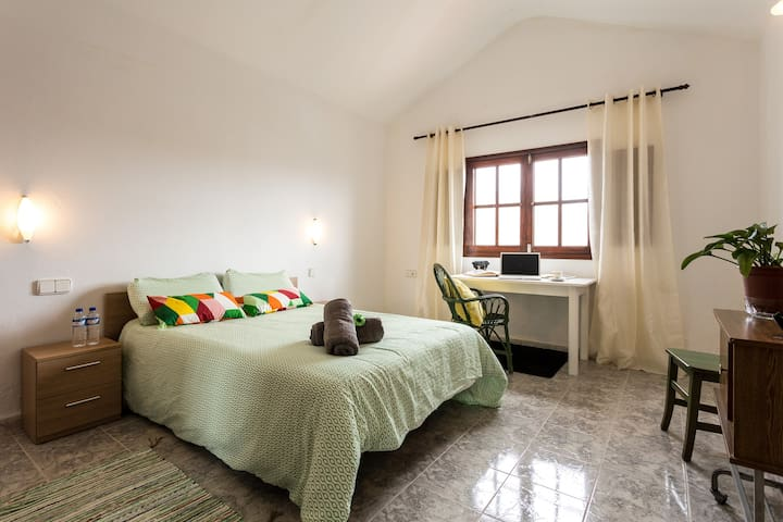 ROOM 1 & op BREAKFAST-Casa del VOLCAN Lanzarote - Tinajo - Huis