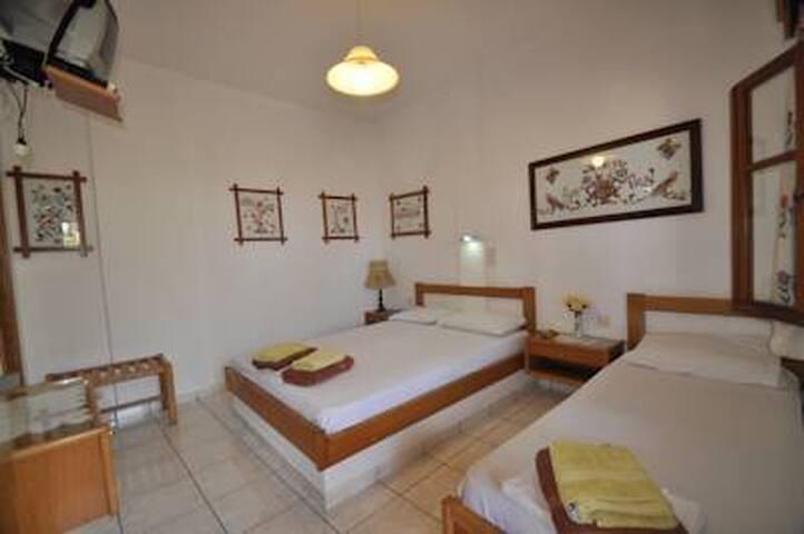 3.2) Triple room on the beach!!