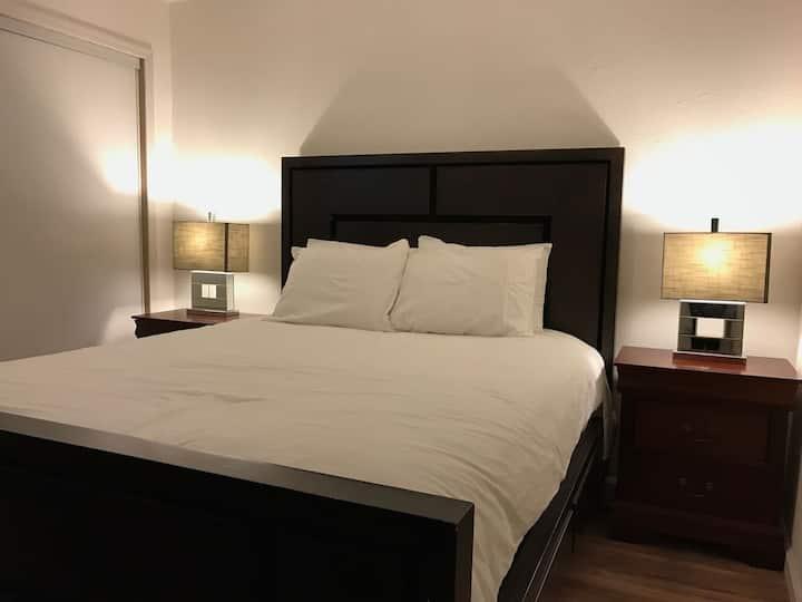 SJSU #6 Modern bedroom/bathroom/kitchens