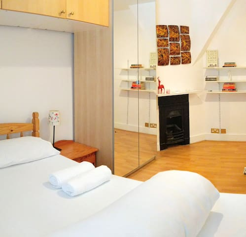Entire Flat  in King's Cross for 5 People