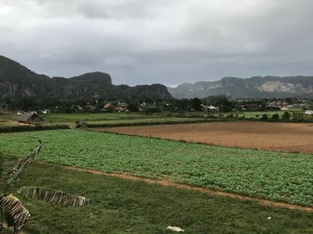 """Casa Rafa Y Dairys """"Vista a la montaña"""""""