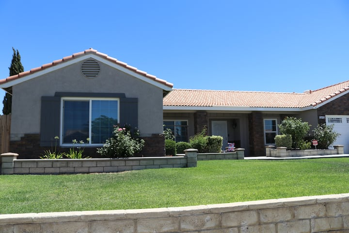 Victorville, Private family home with playground