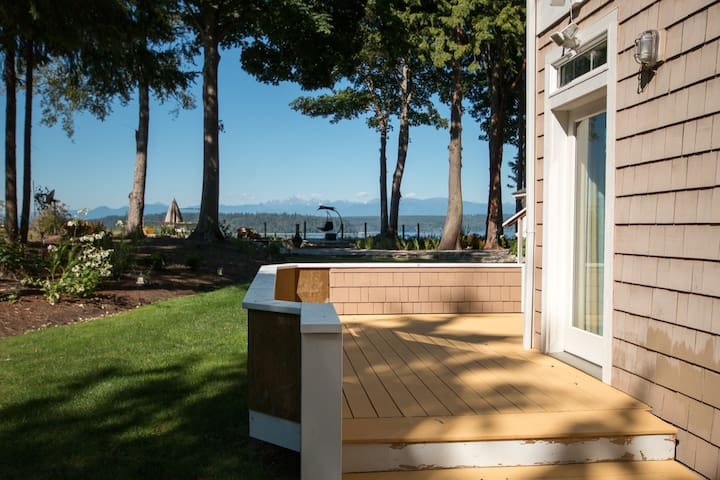 Hood Canal Guesthouse Suite A