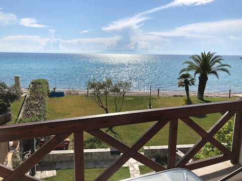 Seafront Apartment Ideal for Children-Calypso