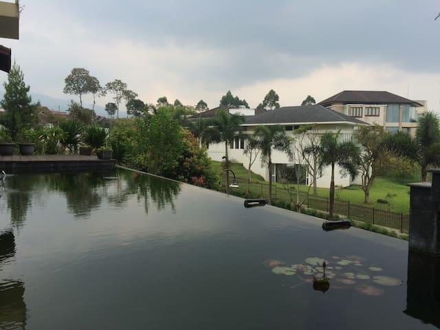 KAMPUNG DAUN-Villa DELVA; Lembang-Setiabudi Atas - Parongpong - Vila