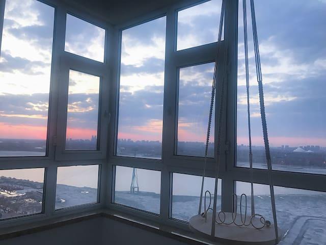 【安全之地】超美日落 全景观江房 紧邻索道 中央大街