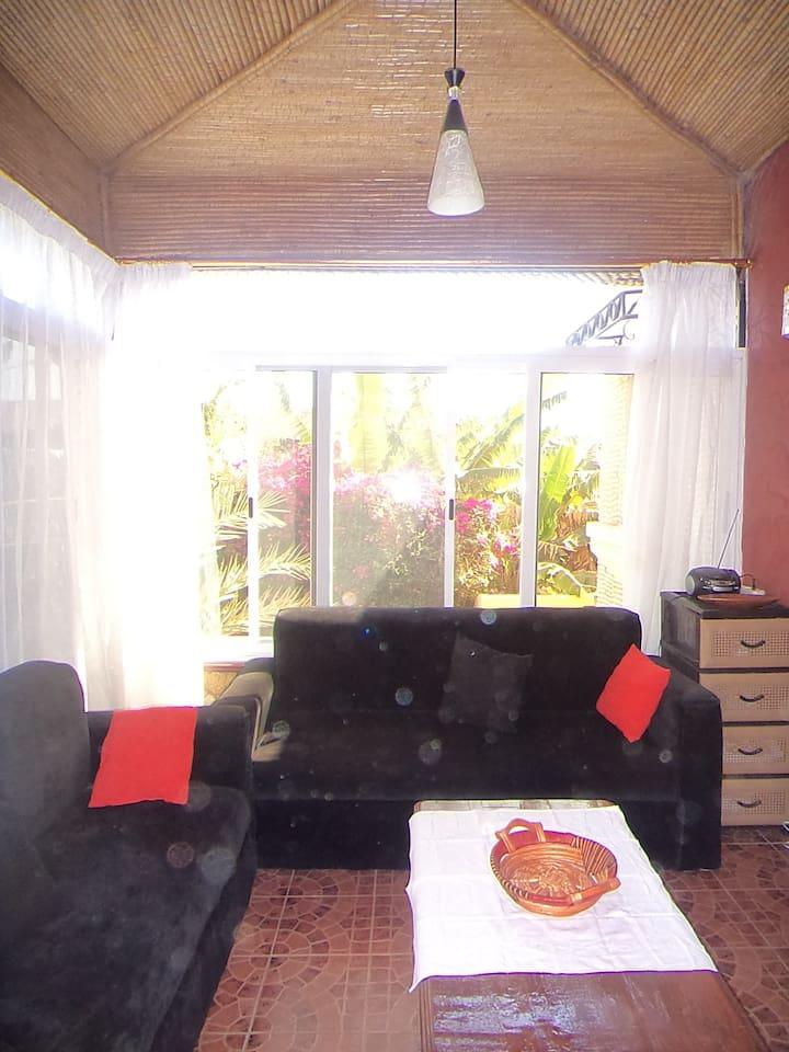 Le petit salon télé de votre future appartement.