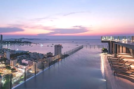 Amazing sea view, infinity pool, best location
